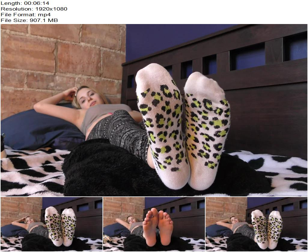 Dreamgirls in Socks – Simona's Sweaty Feet - Foot Fetish, Femdom