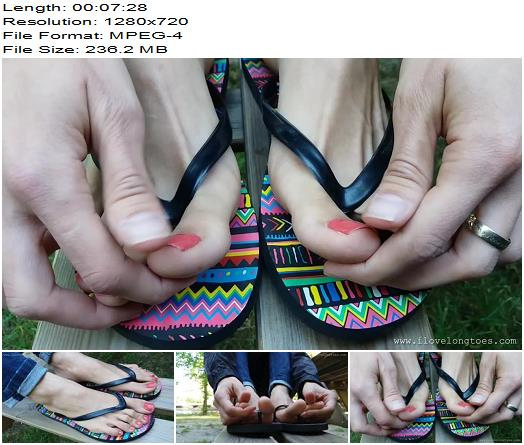 Grace in flip-flops - Foot Worship, Fetish