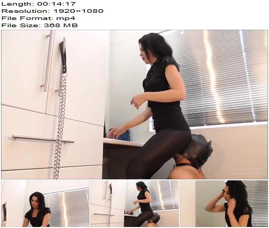 Young Goddess Kim – Goddess Kim's make-up chair (Full HD) – Human Furniture, Face Sitting, Boot Worship - Real Life, Boots