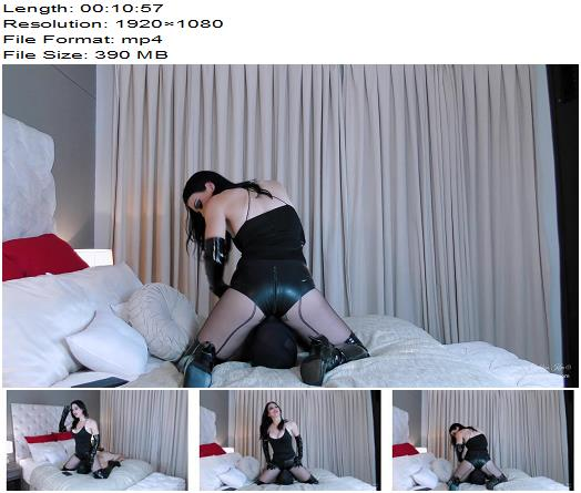 Young Goddess Kim – Latex Hotpants Smother – Face Sitting - Smother Fetish, Breathplay