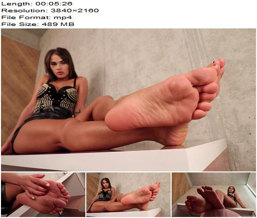 Noemi's World - Nia - Her wide soles will cover your face! (4K) - Fetish - Femdom, Noemi's World