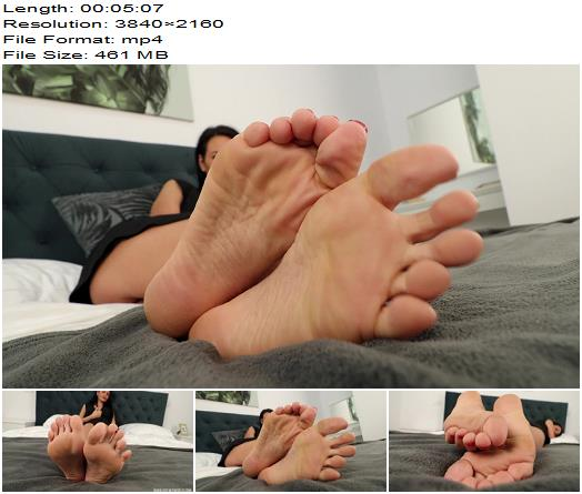 Noemi's World - Chiara - She can cover your whole face with her huge perfect soles - Fetish - Noemi's World, Foot Fetish