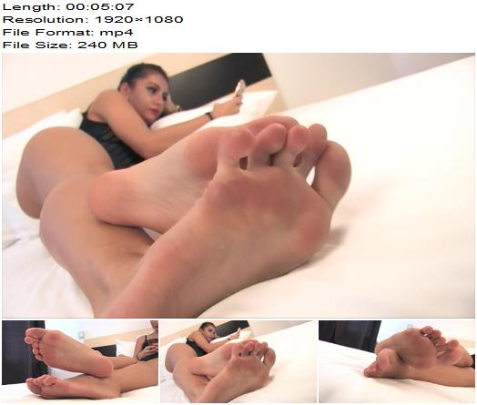 Noemis World  Josephine  Prove yourself worthy to suck her long toes preview