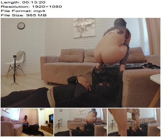 Mistress Anna  Eat shit and farts after the gym  Day 4 preview