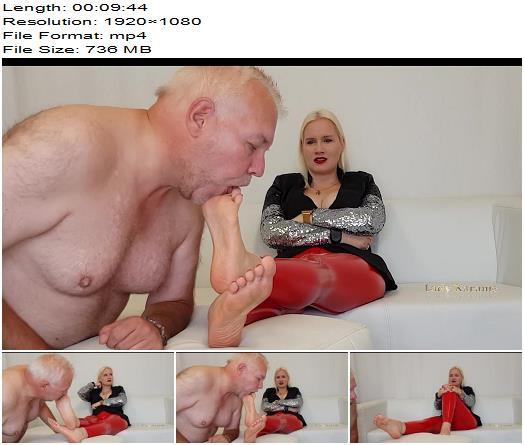 Lady Karame  Dirty feet foot of a German Goddess Mistresss Domina preview
